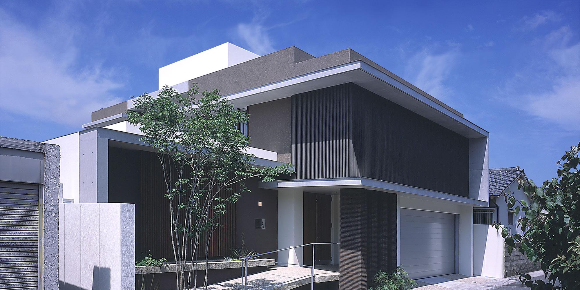 東谷山のコートハウス