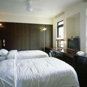 VAN CORTLANDT HOTEL