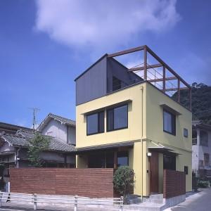 伊敷肥田の家