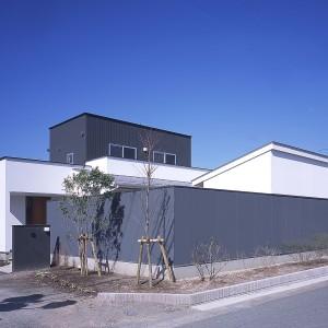 上福元のコートハウス
