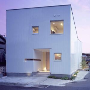 曲面外壁を持つ家2