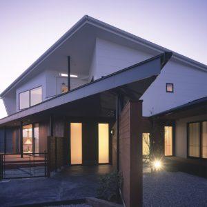 伊敷台の桜島を望む家